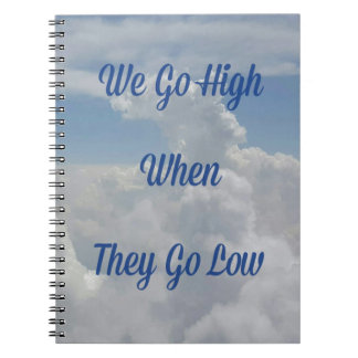 """Caderno Espiral """"Nós vamos altamente"""" formação incomum da nuvem"""