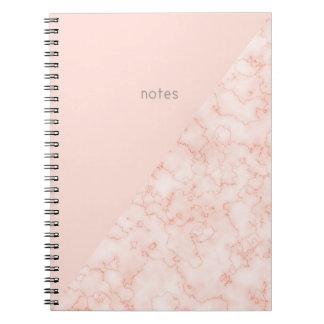 Caderno Espiral O mármore do Minimalist e cora rosa