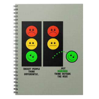 Caderno Espiral Os gênios temperamentais do sinal de trânsito
