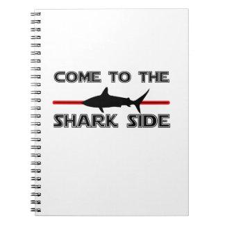 Caderno Espiral Os grandes tubarões brancos vêm aos tubarões