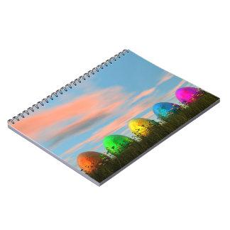 Caderno Espiral Ovos coloridos para a páscoa - 3D rendem