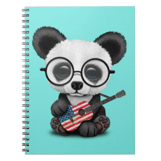 Caderno Espiral Panda do bebê que joga a guitarra da bandeira