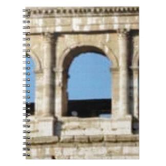 Caderno Espiral parede de três arcos