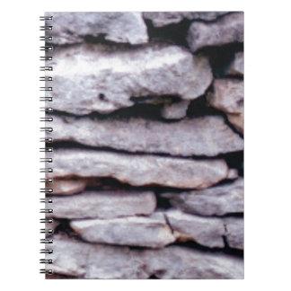 Caderno Espiral pilha da rocha formada