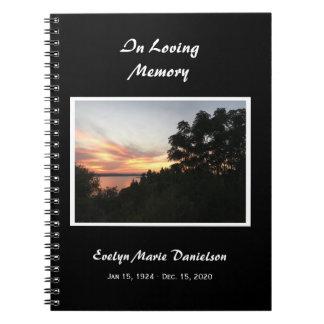 Caderno Espiral Por do sol com memorial da árvore ou livro de
