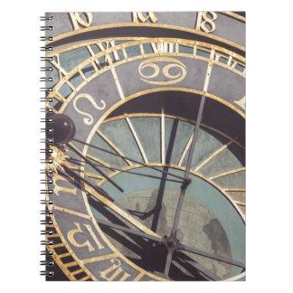 Caderno Espiral Pulso de disparo astronômico de Praga