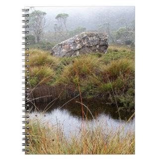 Caderno Espiral Reflexões enevoadas da manhã, Tasmânia, Austrália