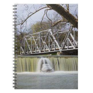 Caderno Espiral Represa de Finley após a chuva