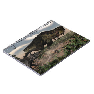 Caderno Espiral Rex do tiranossauro que ruje em um triceratops