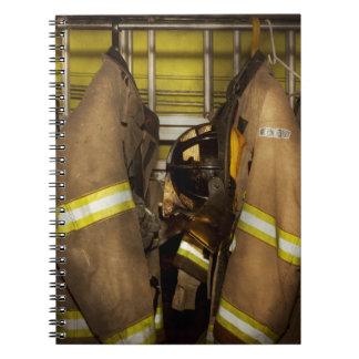 Caderno Espiral Sapador-bombeiro - engrenagem do depósito