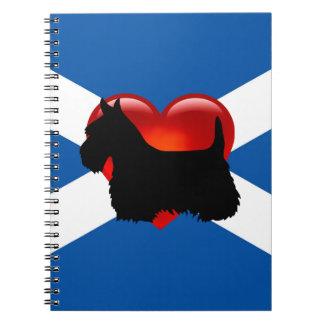 Caderno Espiral Silhueta preta de Terrier do Scottish, bandeira de