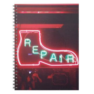 Caderno Espiral Sinal de néon NYC de Repare