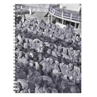 Caderno Espiral Soldados pretos de WWI no navio de transporte