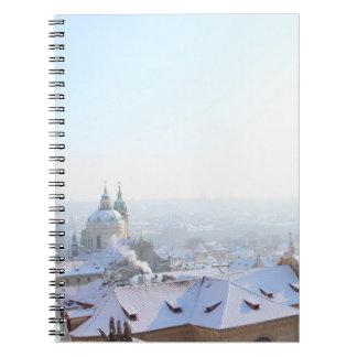Caderno Espiral Telhados do inverno de Praga