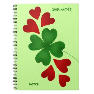 Caderno Espiral Trevo com corações