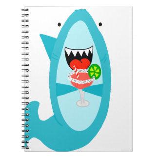 Caderno Espiral Tubarão legal que bebe uma Margarita