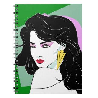 Caderno Espiral Verde de cabelo preto da beleza da banda desenhada