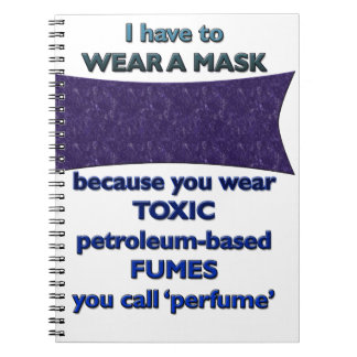 Caderno Espiral Vestindo uma máscara porque