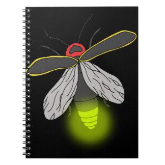Caderno Espiral vôo do inseto de relâmpago iluminado