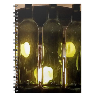 Caderno Garrafa de vinho Funky artística de Masculinev