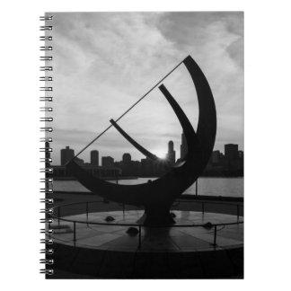 Caderno Grayscale do por do sol do Sundial