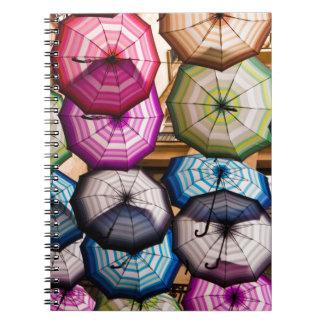Caderno Guarda-chuvas coloridos, listrados