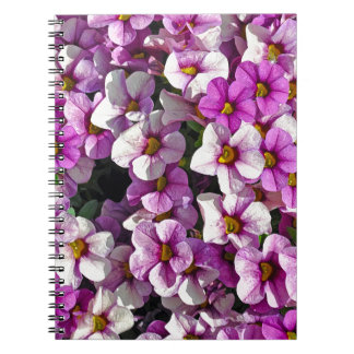 Caderno Impressão floral bonito dos petúnias cor-de-rosa e