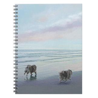 Caderno Keeshonds na arte do cão da pintura do litoral