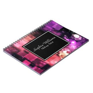 Caderno Luzes cor-de-rosa brilhantes de Bokeh do