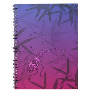 Caderno O bambu do inseto sae do rosa e do teste padrão
