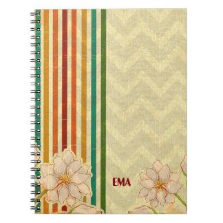 Caderno O bege floresce listras coloridas
