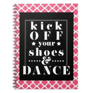 Caderno O jornal cor-de-rosa | da dança retrocede fora