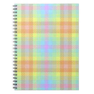 Caderno Pastel do arco-íris da xadrez