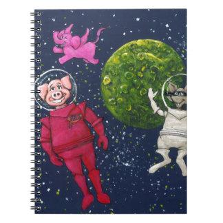 Caderno Porco, guaxinim e elefante cor-de-rosa