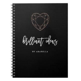 Caderno Preto brilhante das ideias   com a jóia dada forma