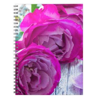 Caderno rosas frescos