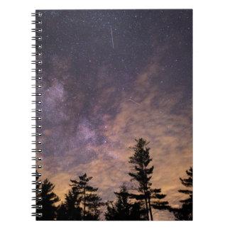 Caderno Silhueta das árvores na noite