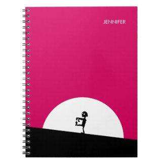 Caderno Silhueta do zombi com a Lua cheia personalizada