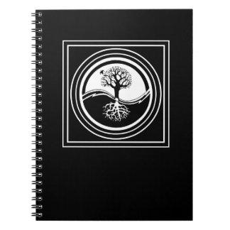 Caderno Símbolo preto & branco da árvore de Yin Yang