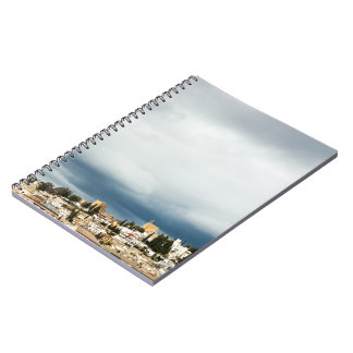 Caderno Skyline da parte histórica de uma cidade em uma