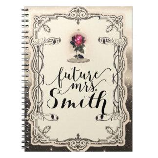 Caderno Sra. mágica Enchanted do futuro da rosa vermelha