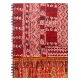 Caderno Tapete vermelho no mercado