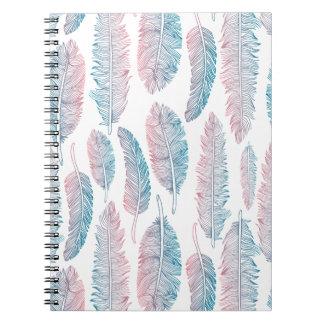 Caderno tribal colorido do teste padrão   da pena