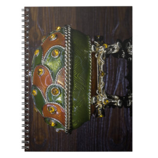 Caderno Verde à laranja