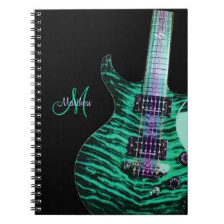 Caderno verde personalizado da música da guitarra