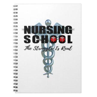 Cadernos A escola de cuidados o esforço é real