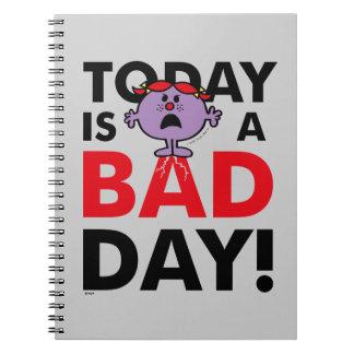 Cadernos A senhorita pequena Impertinente | é hoje um dia