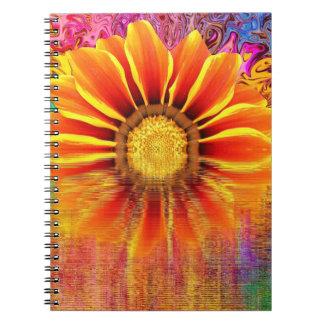 Cadernos Caderno:  Girassol com explosão de cor