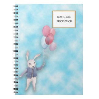 Cadernos Coelho branco personalizado que flutua com balões