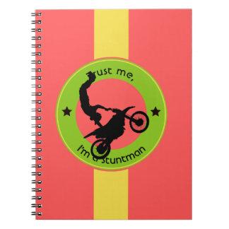 Cadernos Confie-me, mim são um dublê